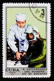 Test medicale, 10 anni di Crewed di serie di volo spaziale, cubano circa 1971 Immagini Stock Libere da Diritti