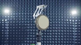 Testa a av en radar i en anechoic kammare stock video