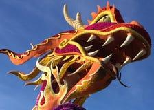 Testa cinese del drago dei fiori Fotografie Stock Libere da Diritti