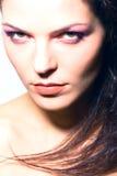 Testa-colpo del ritratto di trucco della giovane donna di bellezza Fotografia Stock Libera da Diritti