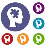Testa con le icone di puzzle messe Immagine Stock