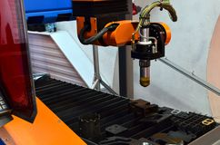 Testa d'attacco del plasma del laser di CNC, primo piano fotografia stock libera da diritti