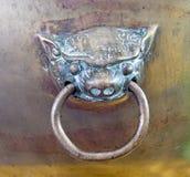 Testa d'ottone del leone del battitore di porta Fotografie Stock Libere da Diritti