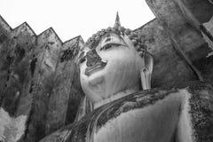 Testa della statua di Buddha a Sukhothai, Tailandia, stile in bianco e nero fotografie stock