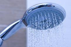 Testa di acquazzone blu Fotografie Stock