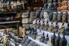 Testa di Buddha al negozio di ricordi locale nell'area storica di Bagan, Myanmar fotografie stock