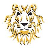 Testa di un leone con una criniera lanuginosa Fotografie Stock