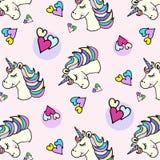 Testa e cuore dell'unicorno del modello di scarabocchio royalty illustrazione gratis