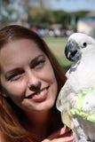 Testa rossa con il cockatoo Fotografia Stock Libera da Diritti