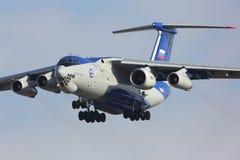 Testbed de voo de Ilyushin IL-76LL 76529 com aterrissagem nova do motor PD-14 no aeroporto de Zhukovsky - de Ramenskoe fotografia de stock