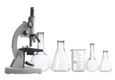 Teste-câmaras de ar isoladas no branco Produtos vidreiros de laboratório Foto de Stock Royalty Free