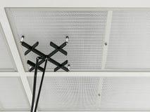 Teste da velocidade de ar no filtro de HEPA na sala de operações fotografia de stock