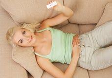Teste de gravidez positivo Fotografia de Stock Royalty Free