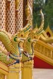 Teste del Naga al tempiale buddista in Tailandia Immagine Stock