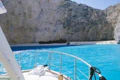 Teste della barca verso la spiaggia Fotografia Stock