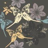 Teste padrão à moda com borboleta e flores Fotos de Stock