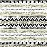 Teste padrão étnico sem emenda feito a mão Faixa geométrica preto e branco Fotografia de Stock