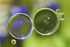 Teste padrão abstrato das bolhas do óleo na água Imagem de Stock Royalty Free
