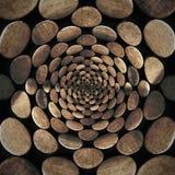 Teste padrão abstrato radial com moedas de madeira Fotos de Stock