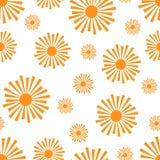 Teste padrão alaranjado estilizado dos sóis em um fundo branco Imagem de Stock