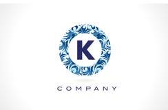 Teste padrão azul Logo Design da letra K ilustração stock