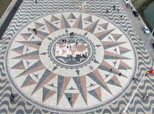 Teste padrão bonito da telha de mosaico, Lisboa Portugal fotografia de stock