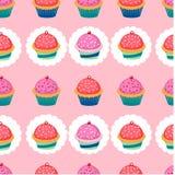 Teste padrão colorido com queques Imagens de Stock Royalty Free