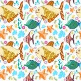 Teste padrão com peixes, corais, estrela do mar Ilustração Stock