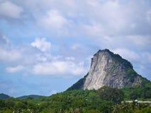 Teste padrão da Buda no monte no qui Chan Pattaya Thailand de Khao fotografia de stock