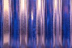 Teste padrão da folha de metal do zinco iluminado com iluminação no teste padrão da repetição/conceito de iluminação material int imagens de stock