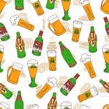 Teste padrão da garatuja do festival da cerveja Fotos de Stock Royalty Free