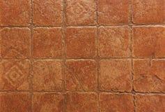 Teste padrão da parede marrom dourada surgida Imagens de Stock