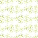 Teste padrão das flores das folhas ou dos corações do verde no fundo branco Foto de Stock