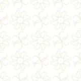Teste padrão das folhas ou de corações claros do bege no fundo branco Imagens de Stock Royalty Free