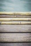 Teste padrão de madeira da placa com superfície da água Imagens de Stock Royalty Free