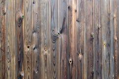 Teste padrão de madeira velho do painel do marrom escuro do grunge com textura abstrata bonita da superfície da grão, fundo listr imagens de stock