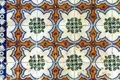 Teste padrão de mosaico clássico em telhas da parede Fotos de Stock Royalty Free