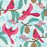 Teste padrão de repetição lunático Tema do Natal e do inverno Pássaros, pinecones, bagas e ramos cardinais vermelhos foto de stock royalty free