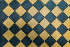 Teste padrão de telhas leves e escuras Fotografia de Stock Royalty Free