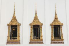 Janelas reais tailandesas do salão do trono Fotografia de Stock Royalty Free