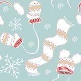 Teste padrão do ano novo dos mitenes, dos chapéus, do lenço e dos flocos de neve Fotografia de Stock