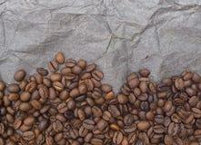 Teste padrão do fundo de Brown dos grãos de café Foto de Stock Royalty Free