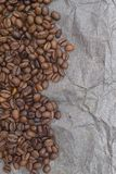 Teste padrão do fundo de Brown dos grãos de café Foto de Stock