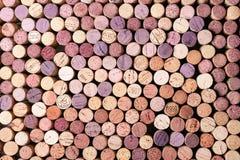 Teste padrão do fundo de cortiça dos frascos de vinho Fotografia de Stock