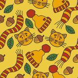Teste padrão do outono com gatos, chapéu, lenço, folhas e porcas Fotografia de Stock Royalty Free