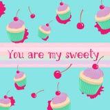 Teste padrão do Sweety com queques e cerejas Imagem de Stock Royalty Free