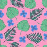 Teste padrão do verão com folhas e as flores tropicais ilustração stock