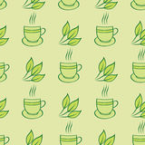 Teste padrão dos copos e das folhas de chá Foto de Stock
