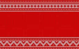 Teste padrão feito malha do Natal no projeto vermelho do fundo Fotografia de Stock