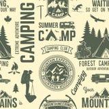 Teste padrão ou fundo sem emenda do acampamento de verão ilustração do vetor